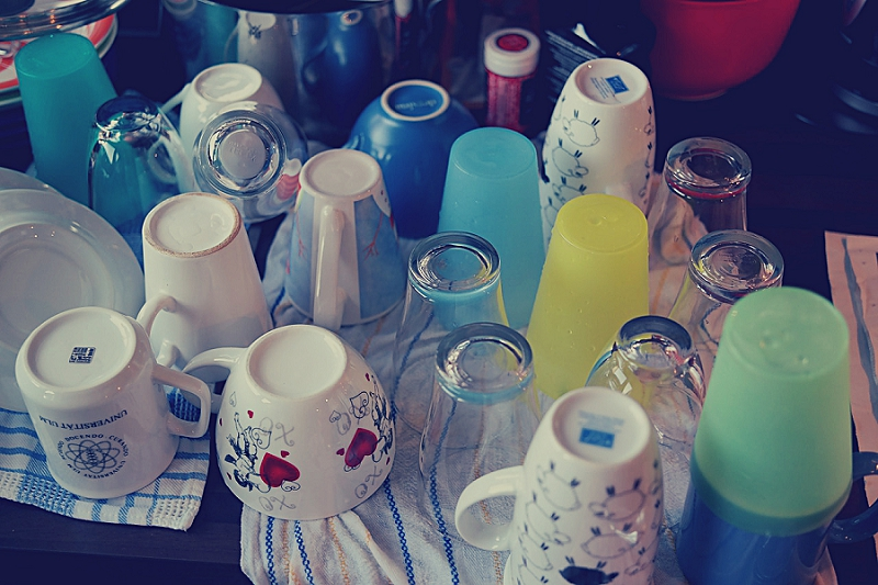 16+ Things to Get Rid of to Reduce Kitchen Clutter get rid of glasses